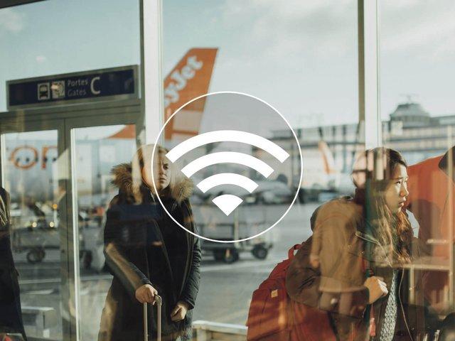 Il dévoile les codes WiFi d'une centaine d'aéroports